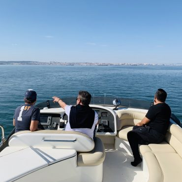rent Yacht, Boat trip to Lisbon